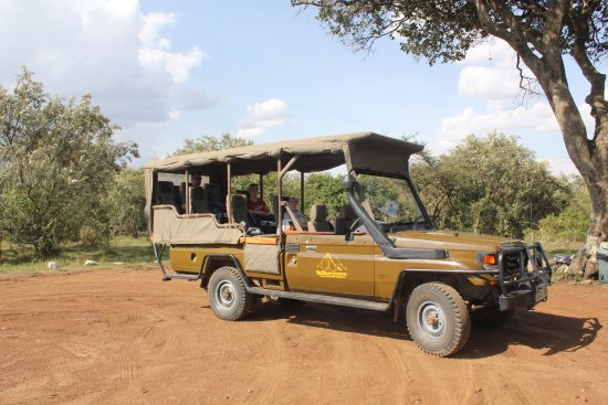 Mara Siria Camp: our game viewing land cruiser.