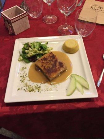 Maialino cotto a bassa temperatura con insalatina di mela verde e pistacchio