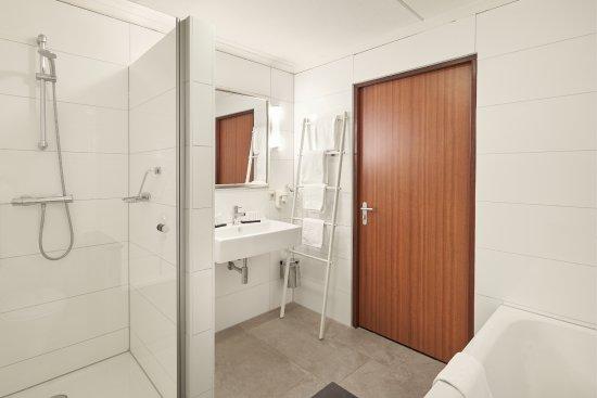 Design Badkamer Nijmegen : Vernieuwde badkamer foto van van der valk hotel cuijk nijmegen