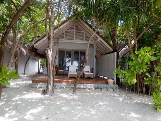 Beach Villa - Picture of Amaya Kuda Rah, Kuda Rah Island - Tripadvisor