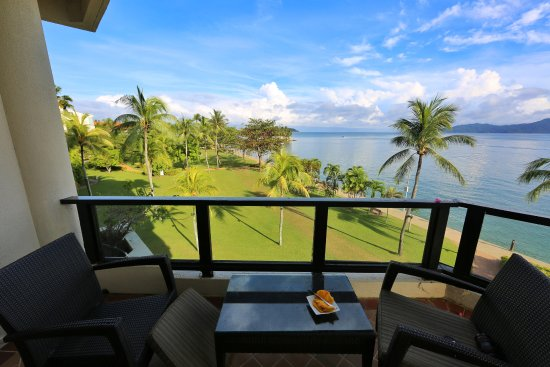 Shangri-La's Tanjung Aru Resort & Spa : Each room has a balcony
