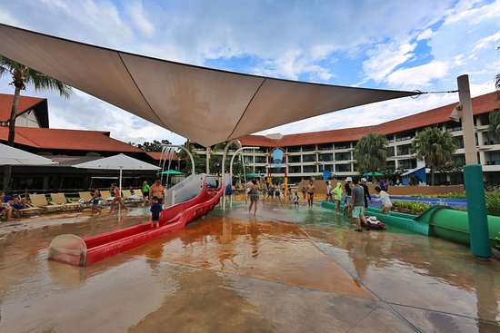 Shangri-La's Tanjung Aru Resort & Spa : 4 water slides
