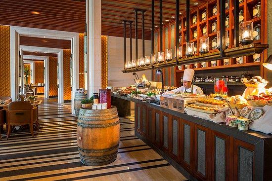 The knolls sentosa island restaurant reviews phone for Table 52 sunday brunch