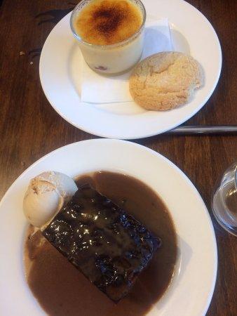 Mold, UK: Ginger Pudding and Creme Brulee