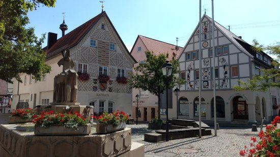 Hayingen, Niemcy: Town Square, Hall and Museum
