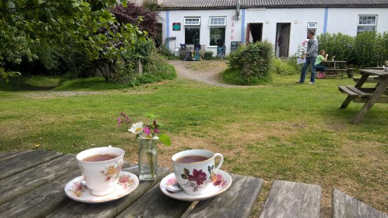 St Keverne, UK: Tea for two