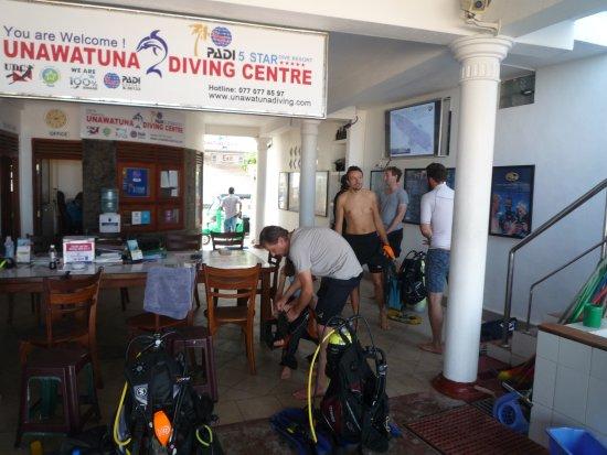 Unawatuna Diving Centre: UDC, Inside