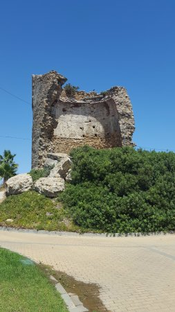 Torreguadiaro: Genovese tower near the beach