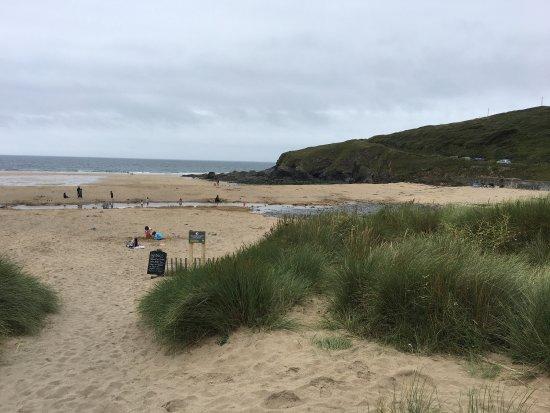 Mullion, UK: Lovely beach.