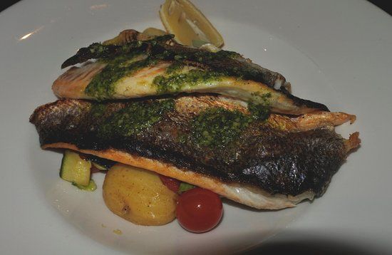 Browns Restaurant at Nevis Bank Inn: FILETTO DI NASELLO