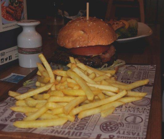 Glen Nevis Restaurant & Bar: Hamburger