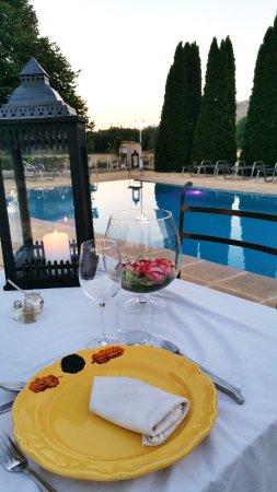 Bauduen, Francia: Dîner romantique au bord de la piscine