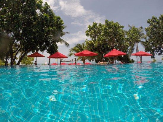 New Star Beach Resort: piscina a sfioro