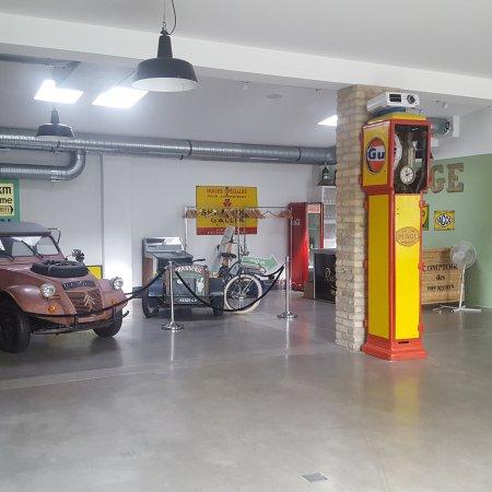 Garage du pont potsdam restaurant reviews phone number for Garage location pont