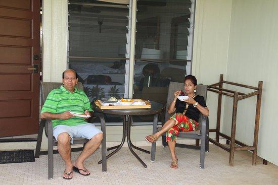 The Mauian Hotel on Napili Beach: BF outside our room