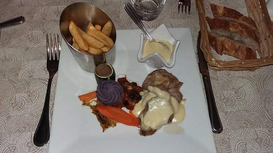 Bourbourg, Francia: Filet mignon gratiné au maroilles