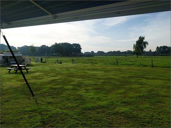 't Harde, Pays-Bas : Het uitzicht vanuit onze camper