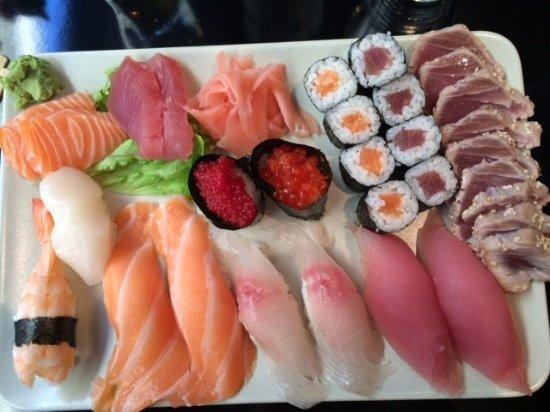 Le saigon salon de provence 26 rue du grand four for Hai sushi salon de provence
