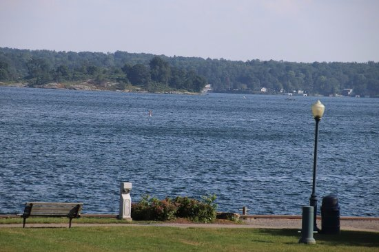 Brockville, كندا: What a gorgeous lake!