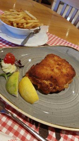 Hotel Helmerhof Restaurant: cordon bleu et frites trop salée