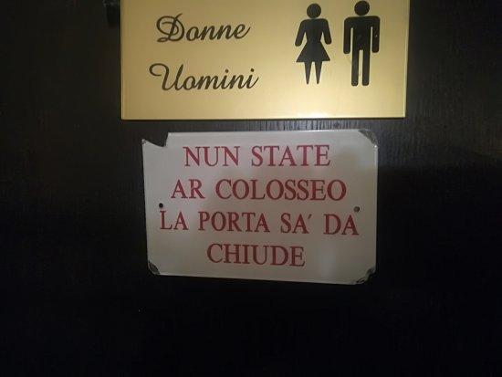 Tipico sarcasmo romano visto che siamo vicini al colosseo for Ovvio arredamento roma