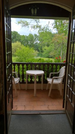 Vieux-Mareuil, Γαλλία: Vue de la chambre sur le parc