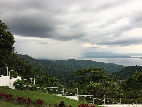 Days Hotel Tagaytay: photo1.jpg