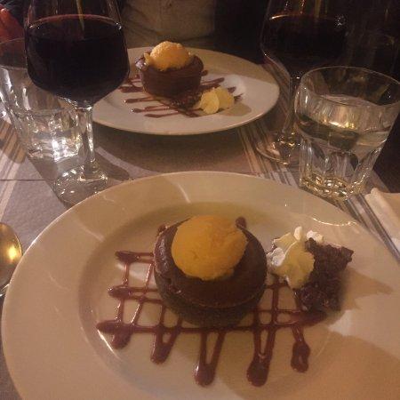 L'estrapade : Fondant au chocolat sorbet passion, un délice !