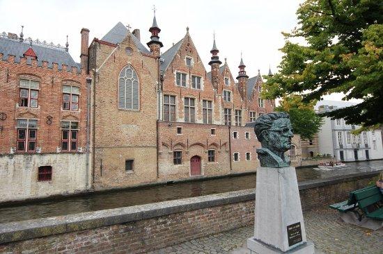 Statue Frank Van Acker