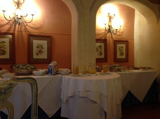 Calcinaia, إيطاليا: buffet colazione molto scarso
