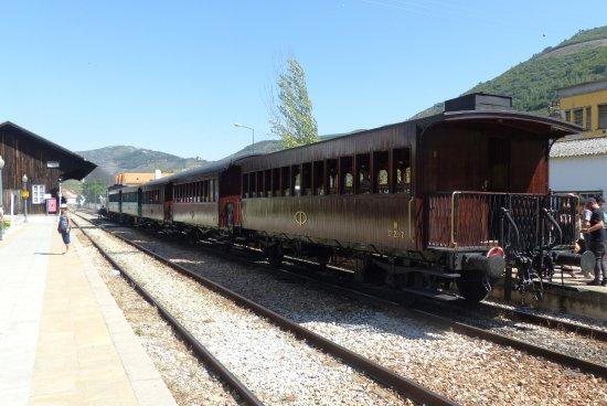 Pinhao, Portugal: Historic Train