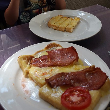 Ramsbottom, UK: Rarebit on toast