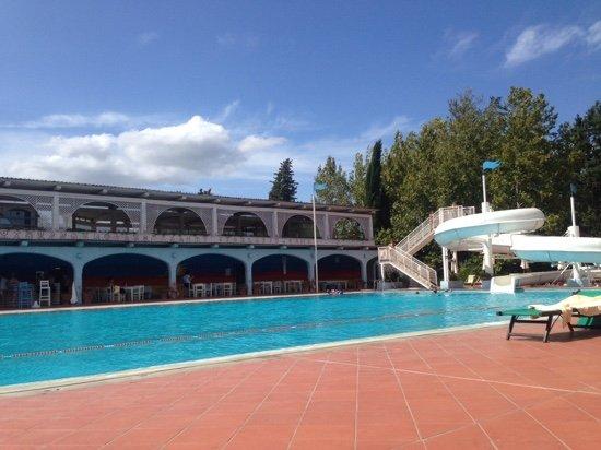 Calcinaia, إيطاليا: piscina esterna