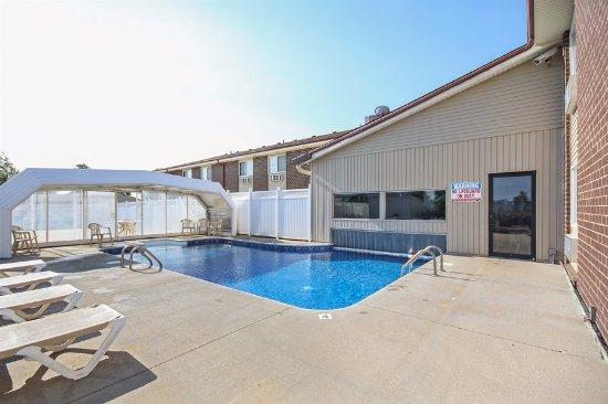 Pool obr zek za zen red roof inn maryville maryville Maryville swimming pool maryville mo