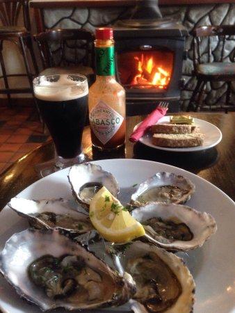 Tullycross, ไอร์แลนด์: Irish hospitality at its finest