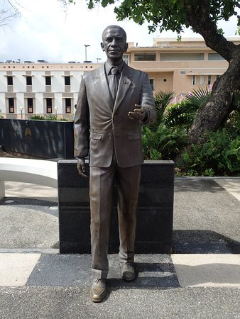 Barak Obama - Picture of Paseo de los Presidentes, San Juan ...