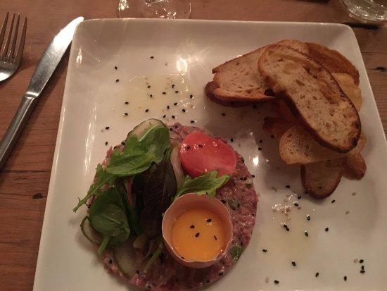 Dutch East Restaurant: Beef tartar starter