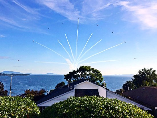 Star of the Sea B&B: jet show
