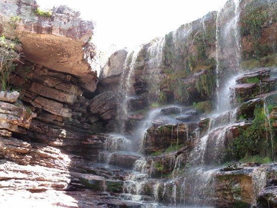 Andarai, BA: Quedas no topo da cachoeira