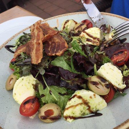 Epen, The Netherlands: salade met spekkies