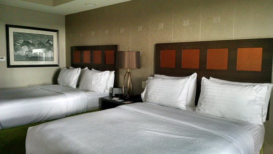 Holiday Inn Amarillo West Medical Center: Great size room, comfortable beds