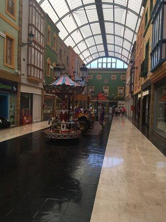 Centro Comercial y de Ocio parqueAstur