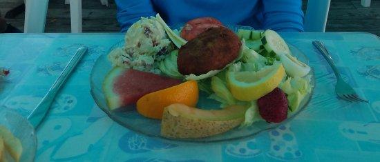 McGlade's on the Pier: Crab cake platter