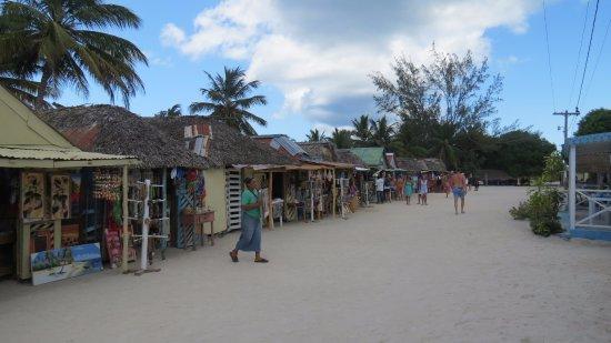 Bayahíbe, República Dominicana: Mercatino a Mano Juan