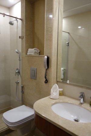 The Florence Inn: Renovated bathroom (fantastic)