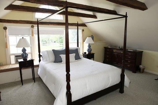 Old Saybrook, CT: The Treetop Room