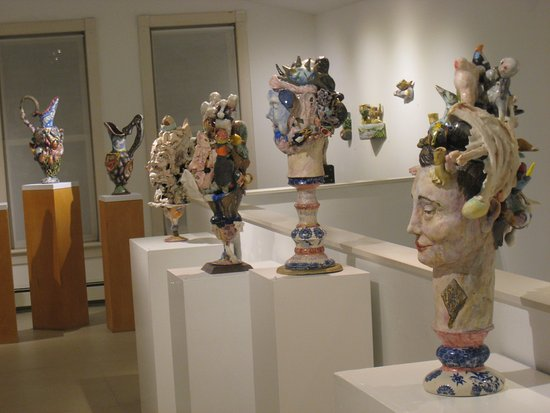 Narrowsburg, Estado de Nueva York: Matt Nolen's ceramic sculpture exhibit at DVAA.