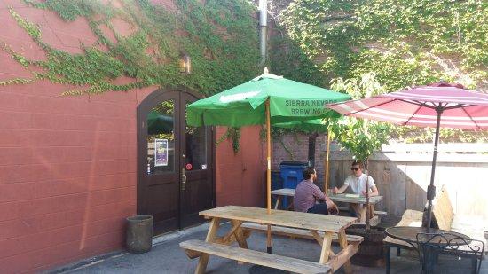 Kingston, Estado de Nueva York: Rear patio