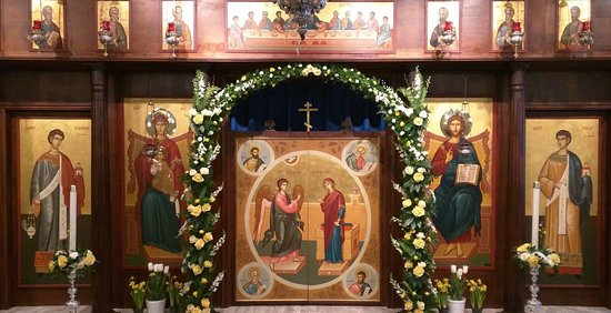 McLean, VA: Iconostasis at the front of the church