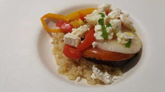 Hecho, Spain: Quinoa con verduras asadas